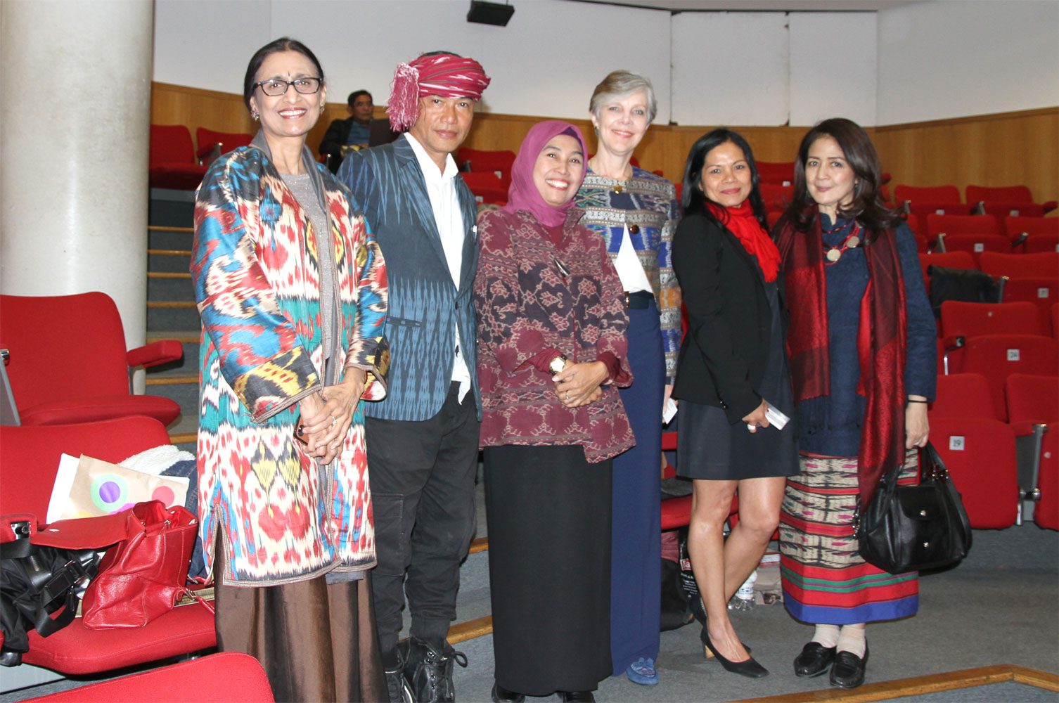 """Symposium on Ikat Textiles SOAS, London – """"Ties That Bind (Past, Present and Future)"""""""